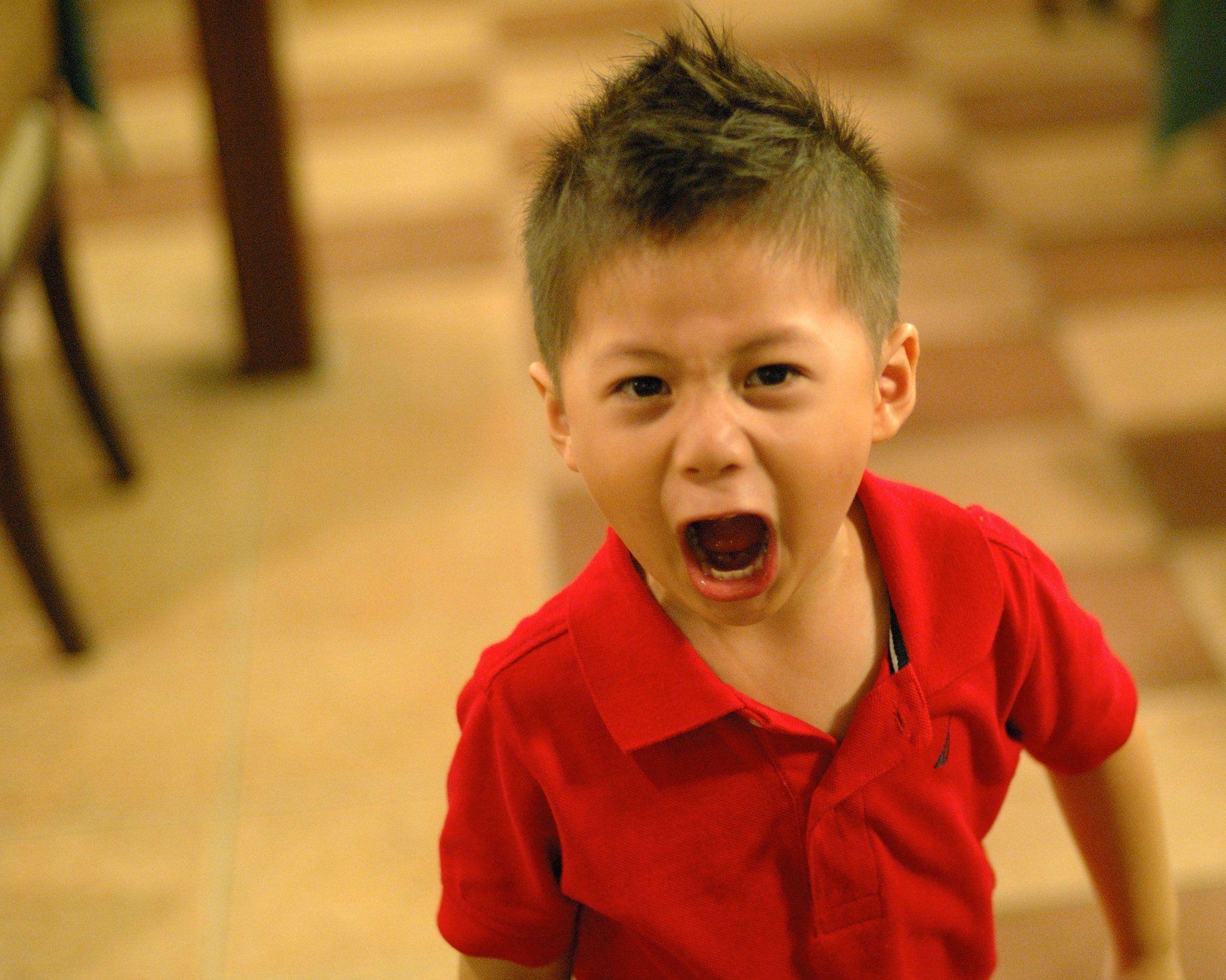3. Bayangkan ekspresi saat dimarahi