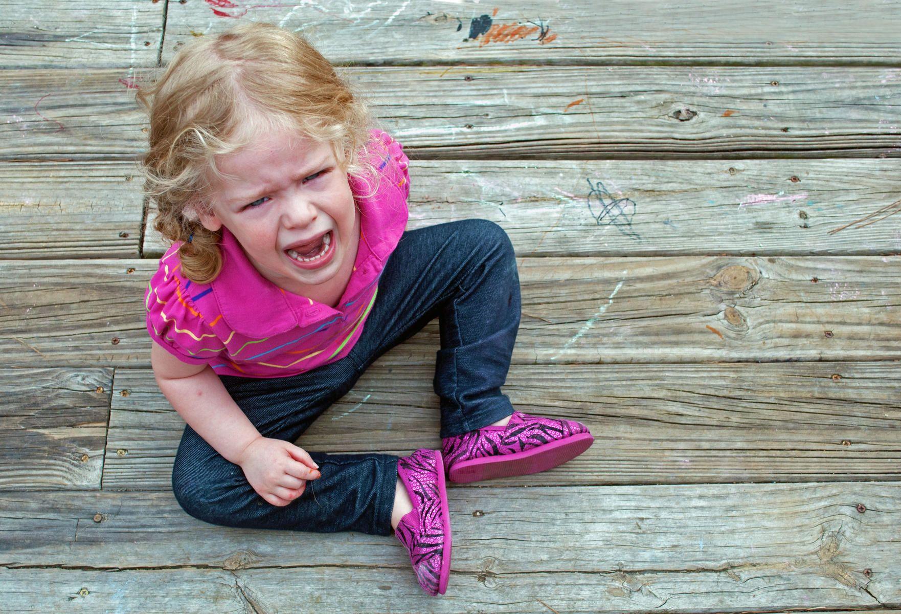 Berhenti menangis Kalau enggak, nanti Mama atau Papa akan…