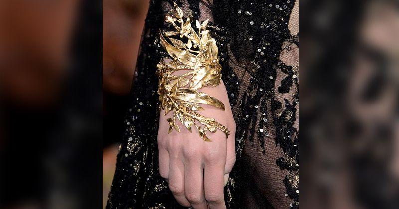 7. Elegant carved bracelet