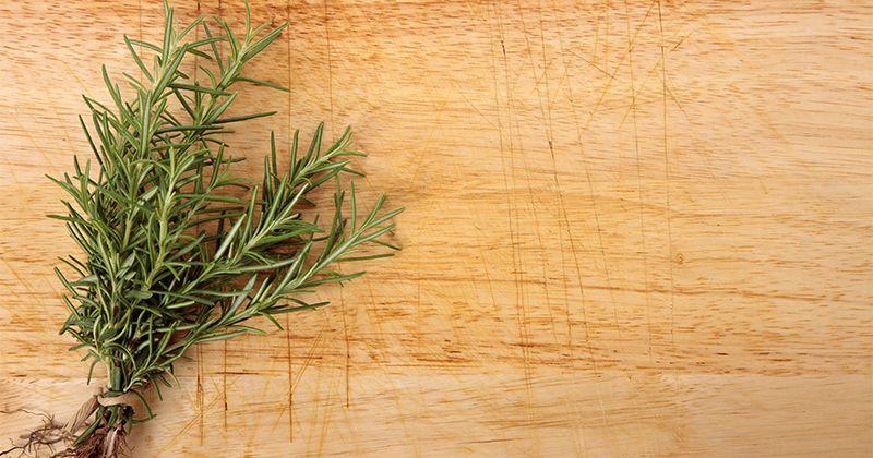 5. Rosemary, membuat masakan berbahan daging menjadi harum