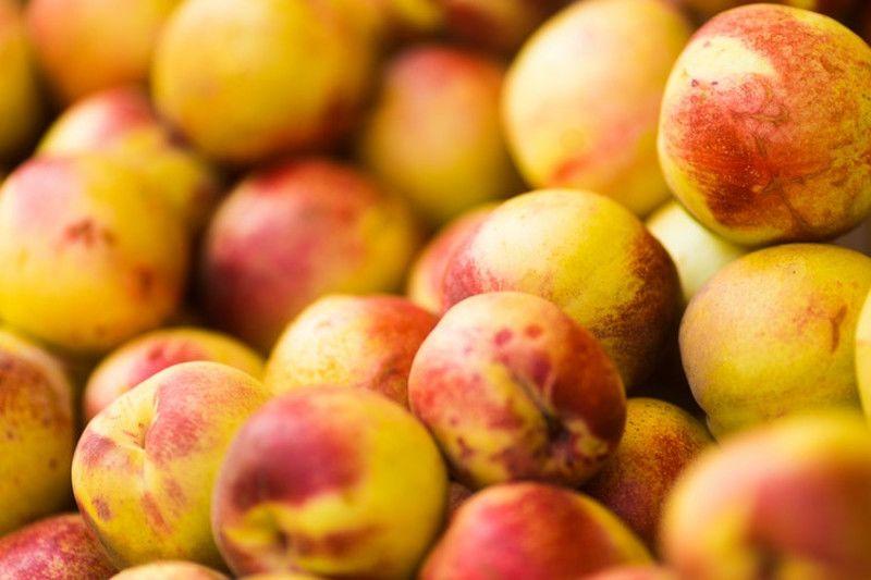 8.Buah peach