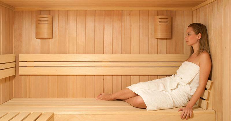 11. Hindari pergi ke sauna atau berendam air panas