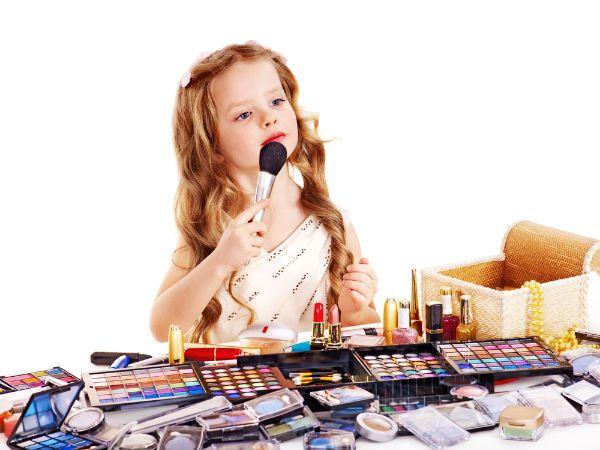 Mama, Pertimbangkan Hal ini Sebelum Mengizinkan Anak Memakai Makeup