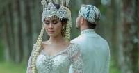"""Penampilan Memukau Syahnaz Hari Pernikahan Bersama Jeje """"Govinda"""""""