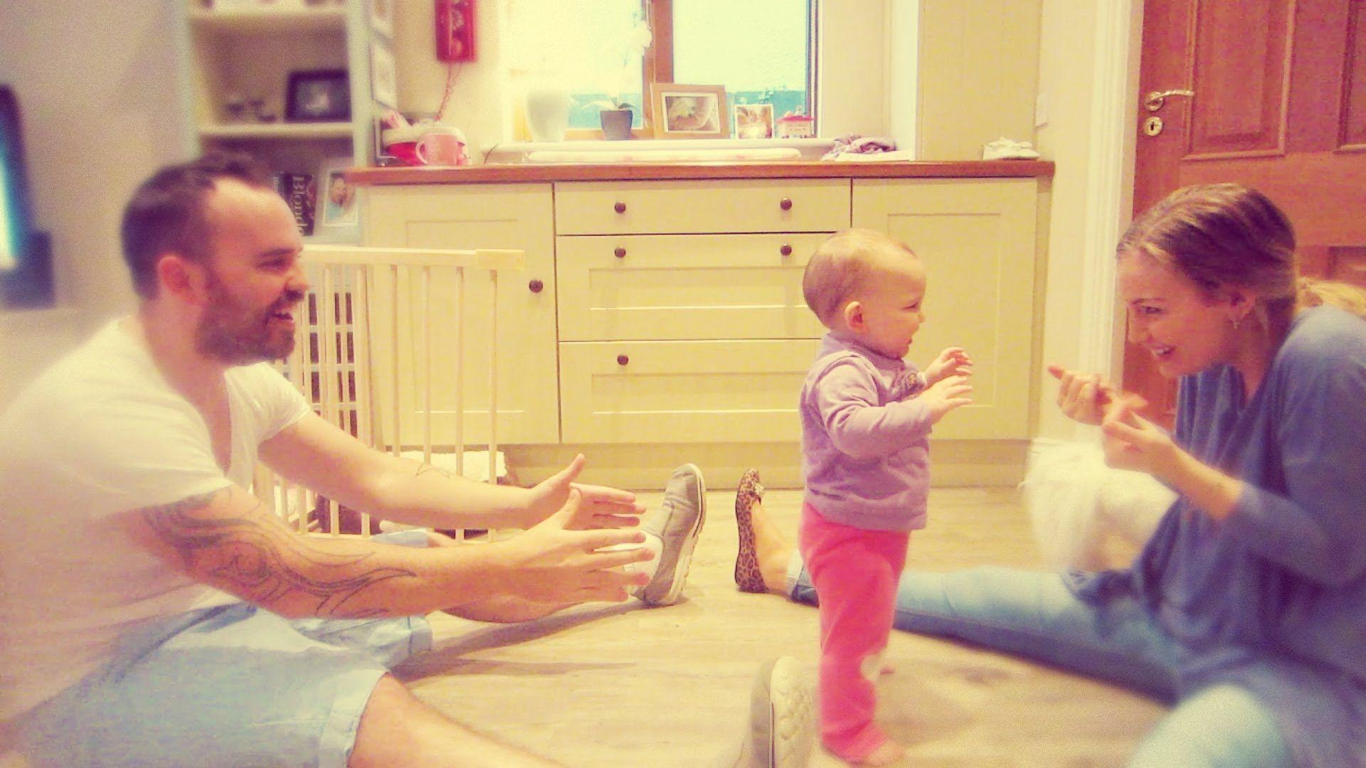 2. Bagaimana cara membantu bayi berjalan