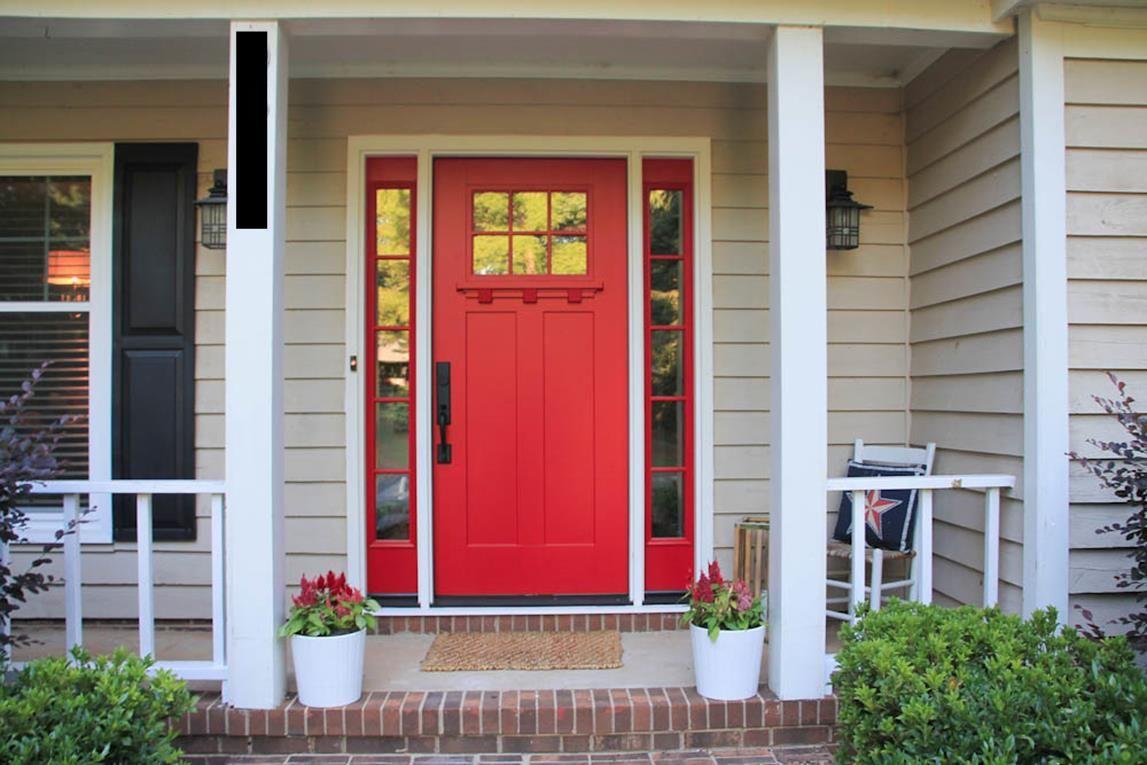 2. Pintu berwarna merah