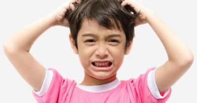 7 Cara Menghadapi Anak yang Suka Ngambek
