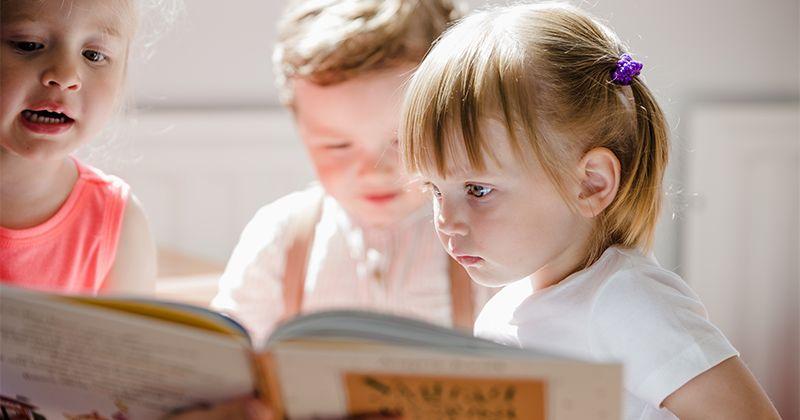 1. Buku edukatif belajar mengenali
