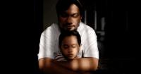 Mau Tahu Cara Unik Tompi Mengatasi Persaingan Antar Orangtua