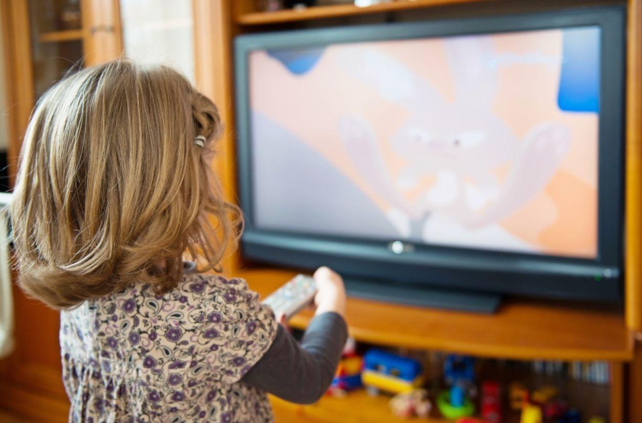 4. Aturan menonton televisi gadget