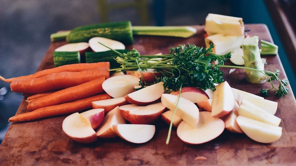 3. Makanan berkulit atau berdaun