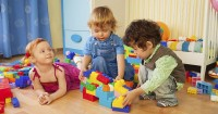 Perkembangan Sosial Anak Usia 2 Tahun: Bermain Bersama Teman Baru