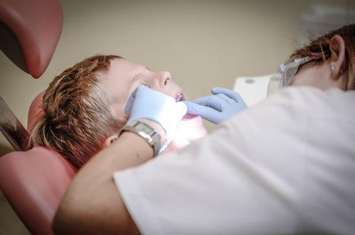 5. Rutin melakukan pemeriksaan gigi ke dokter gigi