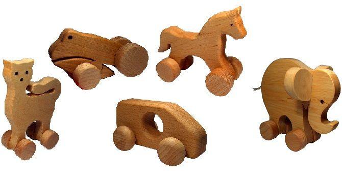 5. Mainan terbuat dari kayu