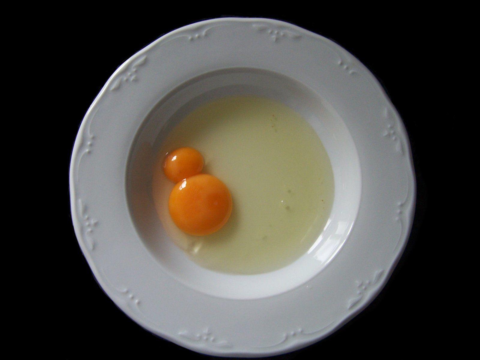 4. Ibu hamil tidak boleh makan telur kuning telur ganda dari satu cangkang