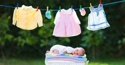 Ini Ma! 6 Cara Gampang Menghilangkan Noda pada Pakaian Bayi