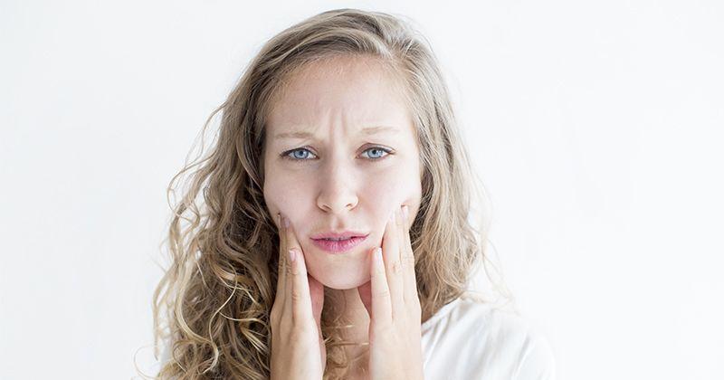 2. Penggunaan masker spirulina dalam keadaan berjerawat dapat memperparah kondisi wajah
