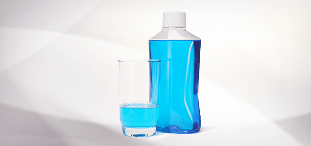 7. Gunakan mouthwash sebagai desinfektan tempat kecoa bersarang