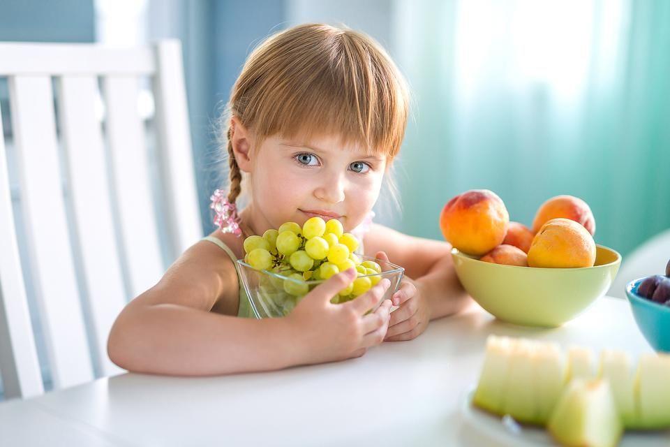 4. Pemberian buah-buahan vitamin