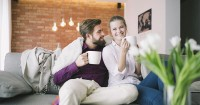 Ini dia 5 Keuntungan Curhat Bersama Pasangan