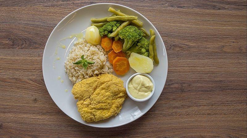 1. Makan makanan bergizi