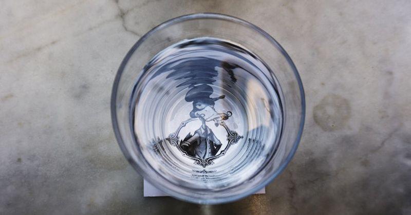 2. Banyak minum air putih