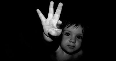 Bayi Jatuh Dari Eskalator Hingga Tewas Saat Orangtua Coba Foto Selfie