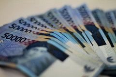 3. Uang tunai ditabung