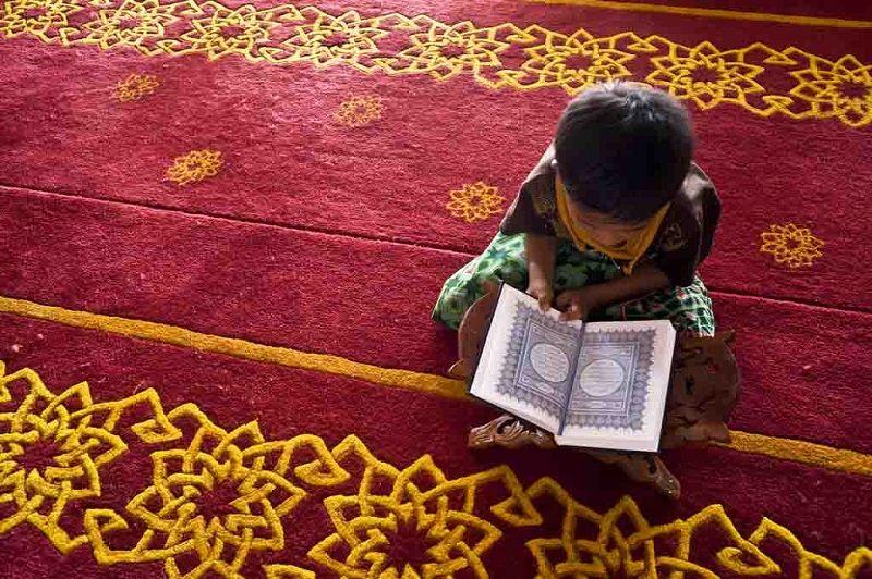 Gampang Ini Langkah Mengajarkan Doa Pendek Anak