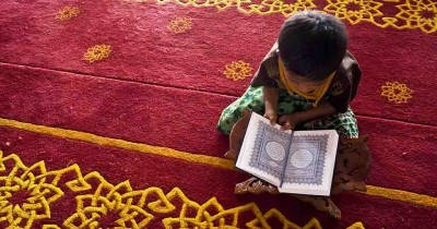 Gampang! Ini Langkah Mengajarkan Doa Pendek pada Anak