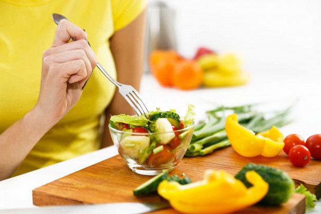 1. Menjalani diet sehat sebelum hamil