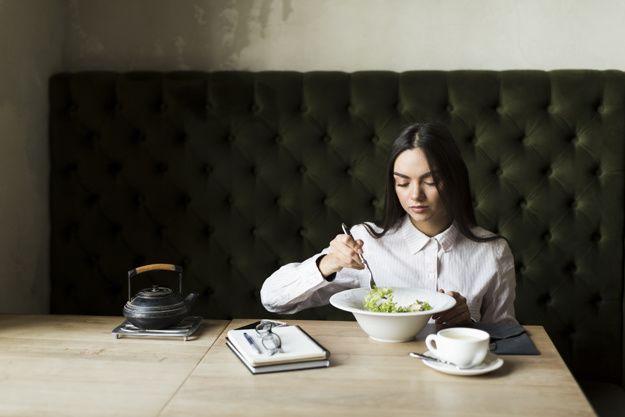 7 Efek Sering Telat Makan saat Hamil Sebabkan Gangguan Kesehatan