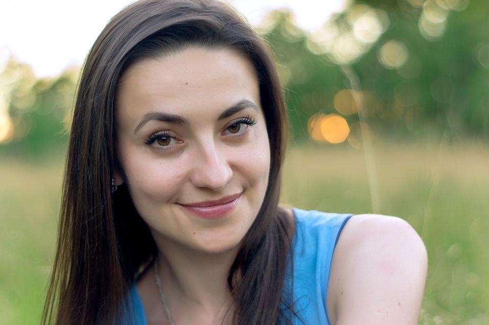 6. Wajah terlihat lebih berseri tau biasa disebut the pregnancy glow