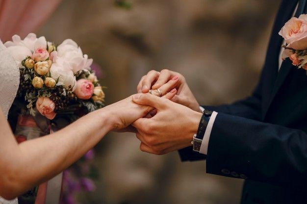 6. Cincin pernikahan Meghan terbuat dari emas khusus