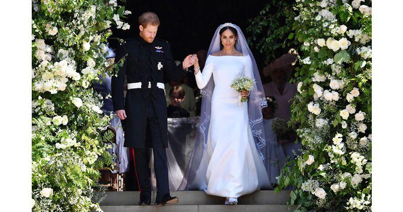 1. Gaun Megan Markle dari Givenchy