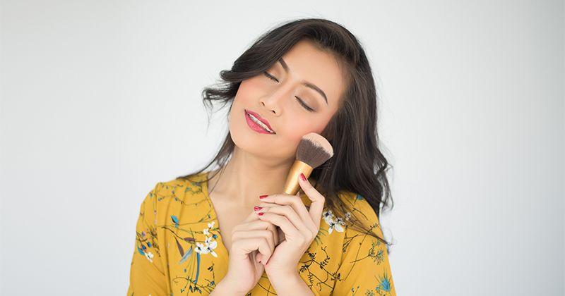 3. Makeup berlebihan
