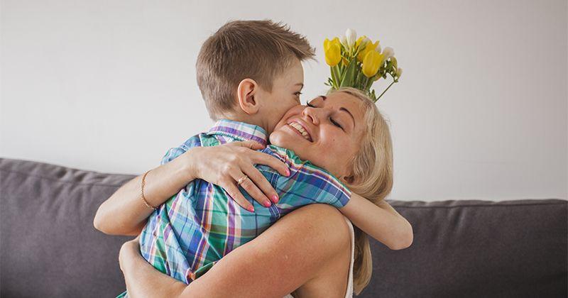 2. Biasakan keluarga berbicara lembut