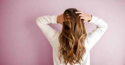 Jangan Dianggap Sepele Ini 5 Tanda Kalau Rambut Kamu Berketombe