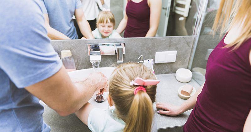 3. Rajin mencuci tangan