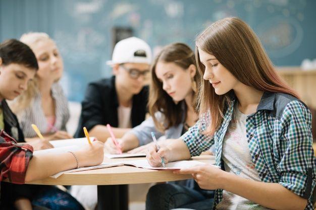 1. Meneliti ribuan remaja