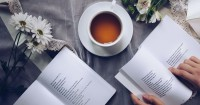 5 Manfaat Membaca Puisi Ibu Hamil