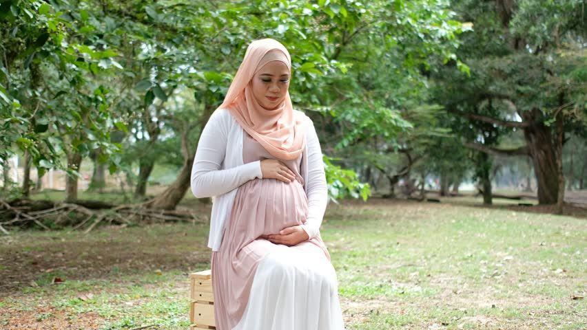 1. Apakah Ibu hamil boleh berpuasa