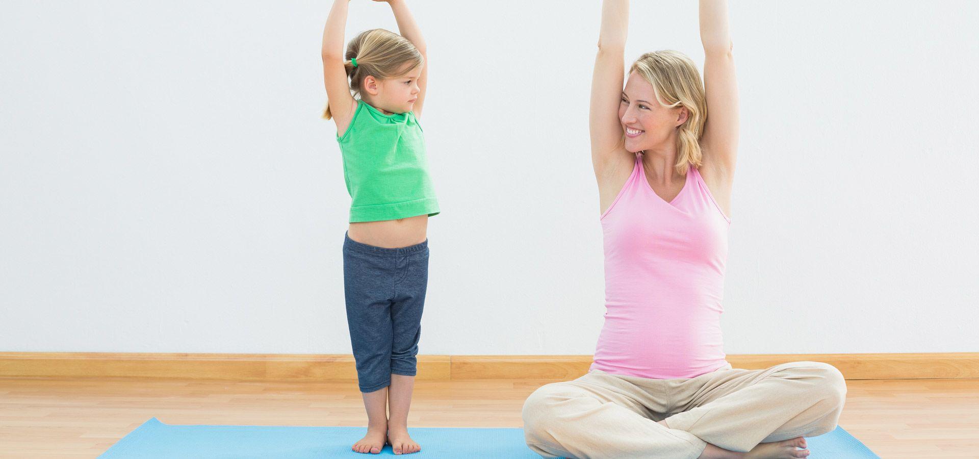 3. Selalu libatkan anak dalam momen kehamilan Mama