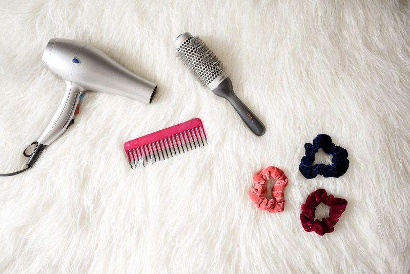 2. Keringkan rambut sebelum memakai hijab