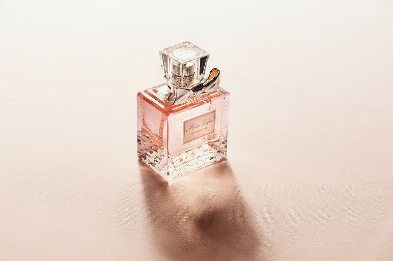 7. Gunakan parfum dari awal, bukan setelah berbau