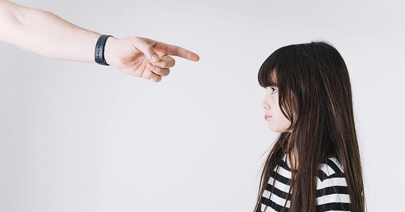 4. Tindakan keras tidak akan membantu si Kecil bertindak lebih baik