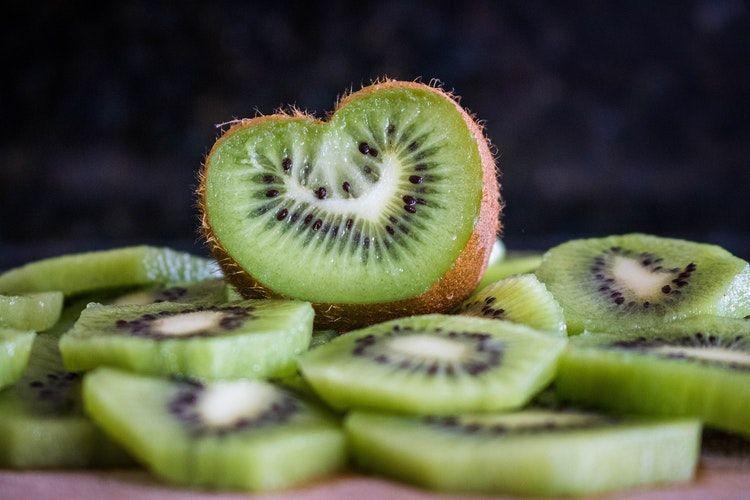 7 Ide Menu MPASI Bayi Buah Kiwi