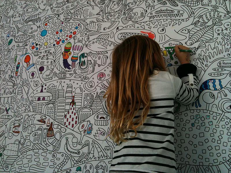 Jangan Dilarang, Ini Cara Mengatasi Anak Suka Mencoret Dinding