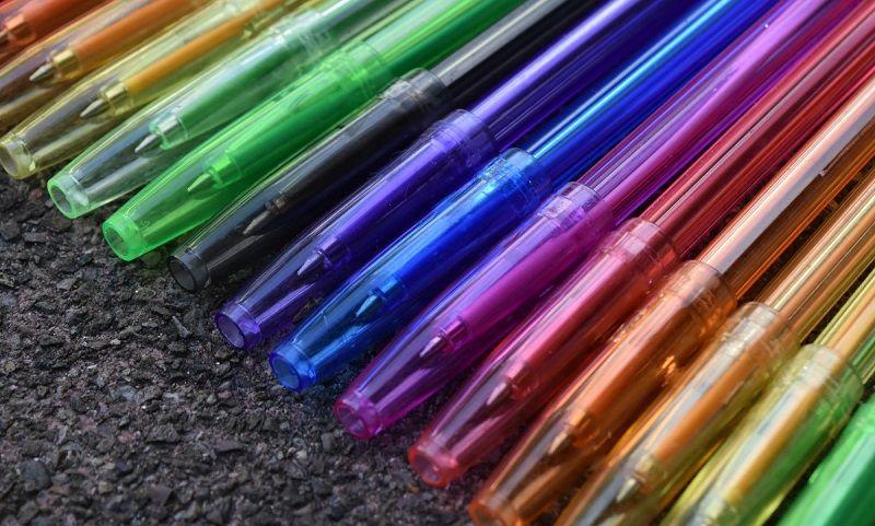 6. Jauhkan alat tulis sulit dibersihkan dari jangkauannya