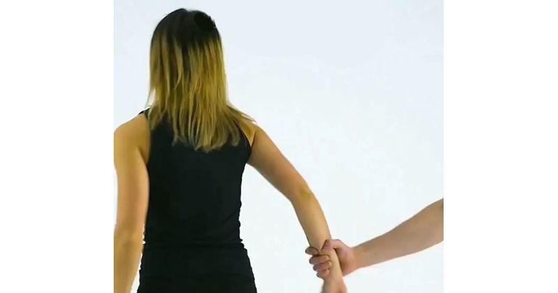 5. Menarik pergelangan tangan